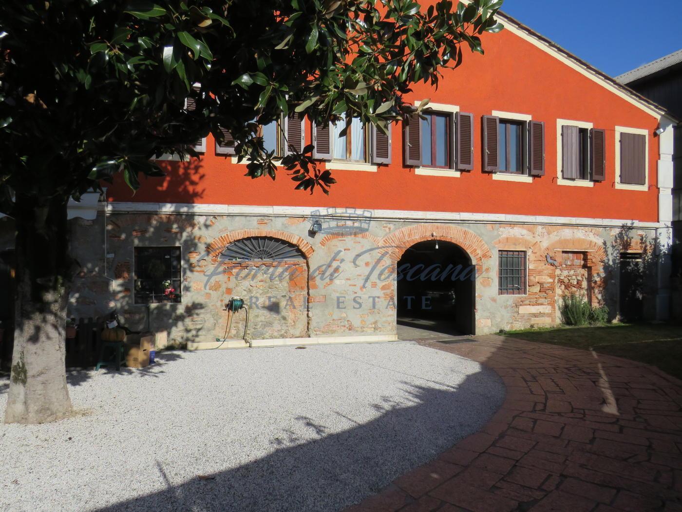 Appartamento di ampia metratura in vendita a Pietrasanta